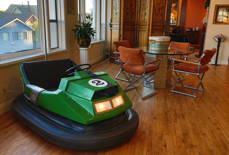 Bumper-Car/Bedroom